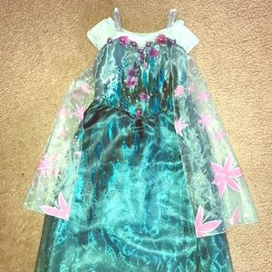 Elsa Costume (frozen fever) size 5/6